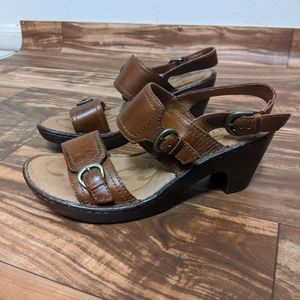 Born sandal heeled size us 8 brown